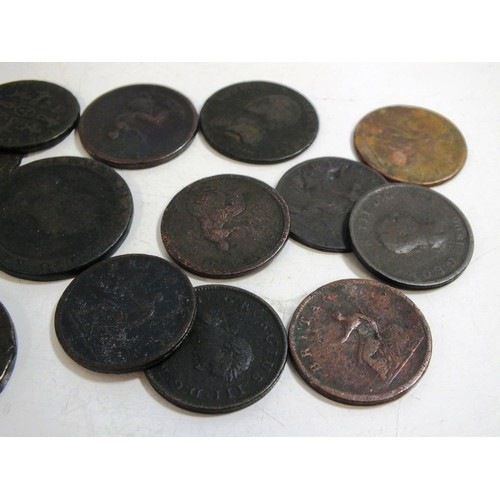 356 - 1790 LONDON AND MIDDLESEX HALFPENNY TOKEN 1753 GEORGE 2ND HALFPENNY, 7 GEORGE 3RD HALFPENNY, 3 CARTW...