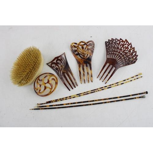 133 - Job Lot of Antique / Vintage Ladies VANITY & HABERDASHERY Inc Brushes, Bone Etc...