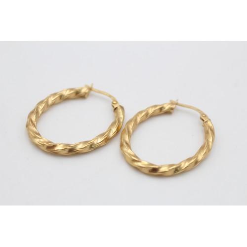 20 - 9ct gold vintage oval hoop twist earrings (1.4 g)