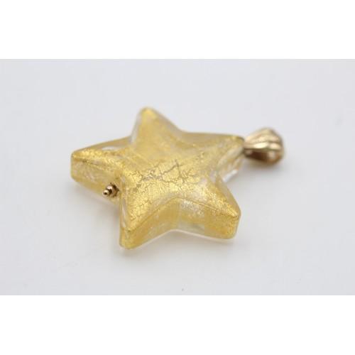 28 - 9ct gold vintage foiled glass star pendant (10 g)