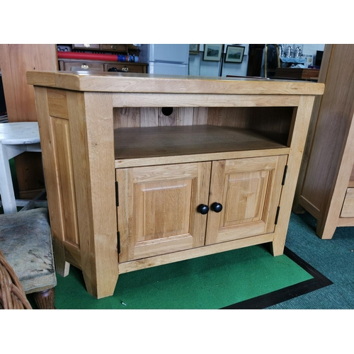 53 - Solid Oak Entertainment Unit 70cm High By 104cm Wide By 50cm Deep