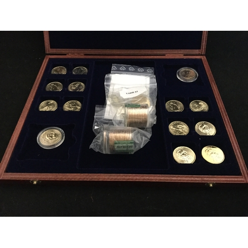17 - A quantity of Danbury Mint US coin replicas -...