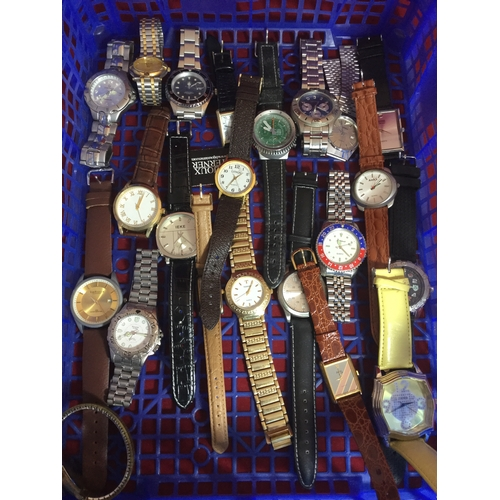 14 - A quantity of mostly modern watches -...