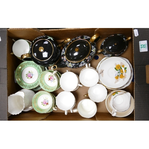 32 - A mixed collection of items to include: Sadlars black and floral tea service, Paragon floral decorat...