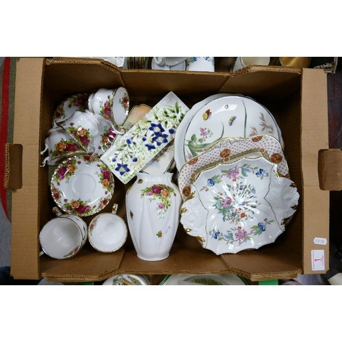 1 - A mixed collection of items to include Royal Albert old country roses: cups, saucers, vase, Aynsley ...