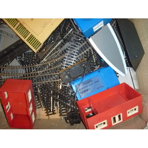 7 - qty oo gauge railway track spares buildings accessories
