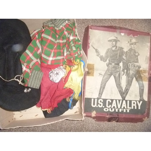 17 - 1960's US cavalry outfit, additional items observed within the box