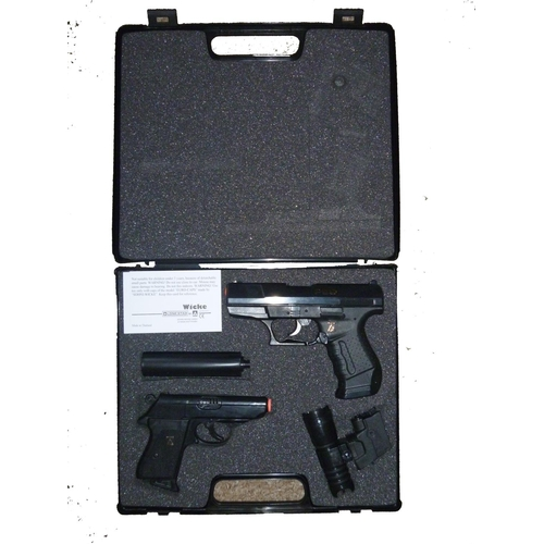 40 - lone star james bond style walther p99 and ppk cap guns in presentation pack