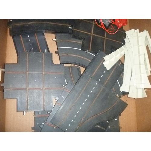 49 - QTY TRIANG MINIC MOTORWAYS TRACK PIECES