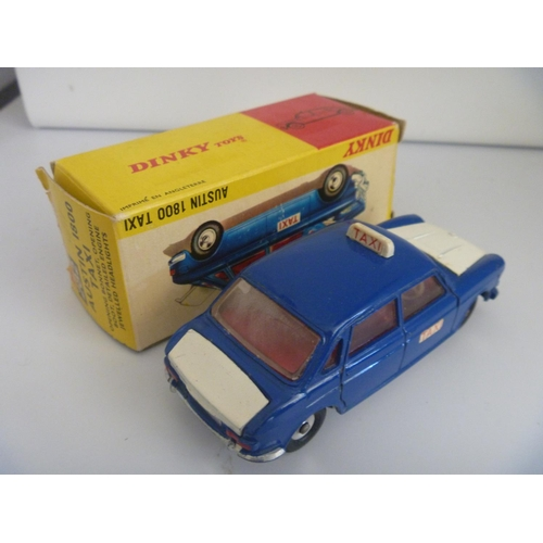 52 - DINKY TOYS (BOX G MODEL VG) AUSTIN 1800 TAXI
