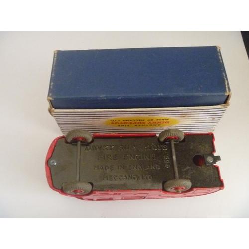 55 - DINKY TOYS (MODEL VG BOX F) FIRE ENGINE
