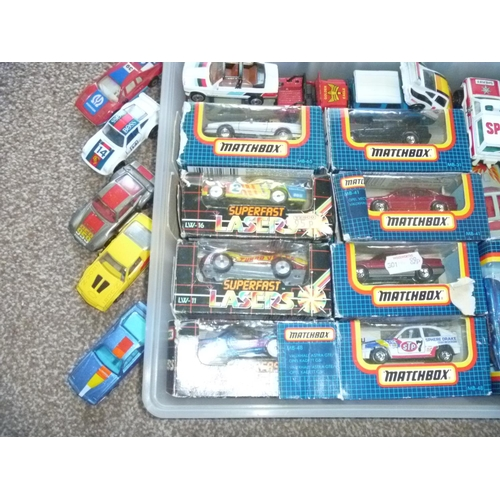 19 - A good quantity of Matchbox loose and boxed examples mainly in very good condition, most boxes appea...