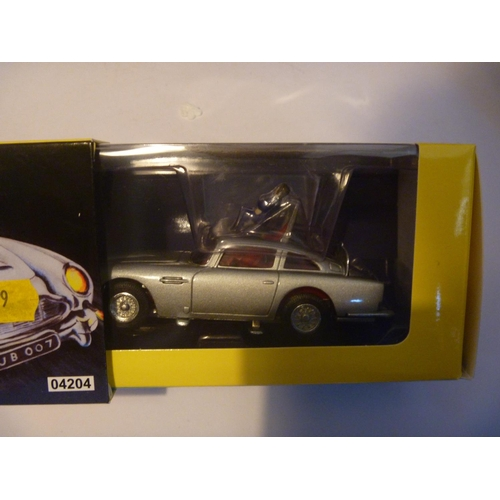 36 - CORGI TOYS BOXED GOLDFINGER JAMES BOND 007 ASTON MARTIN DB5 - UNUSED AS NEW...