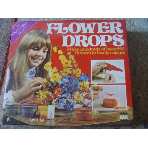 40 - DENYS FISHER FLOWER DROPS CRAFT SET BOXED...