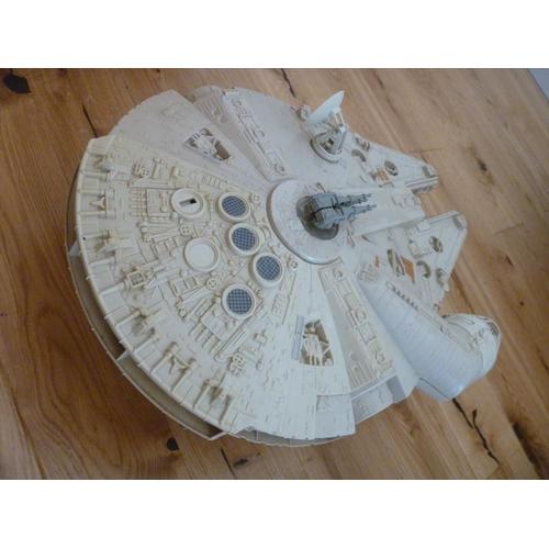 5 - Star Wars Vintage Millennium Falcon...