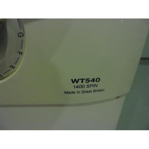 9 - Hotpoint Aquarius 7KG family load washing machine...