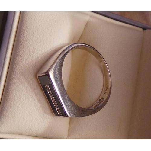 29 - White Gold Diamond and Onyx Ring...