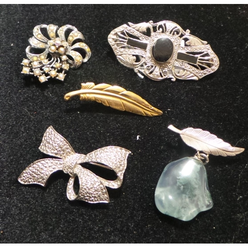 43 - Assorted Lot of Costume Brooches...