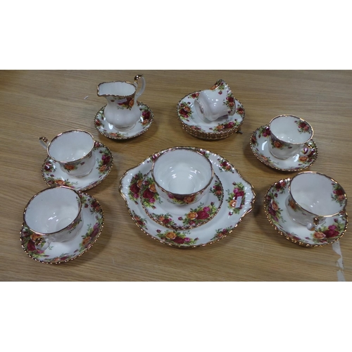 34 - Royal Albert 21 Piece Old Country Roses Tea Set...