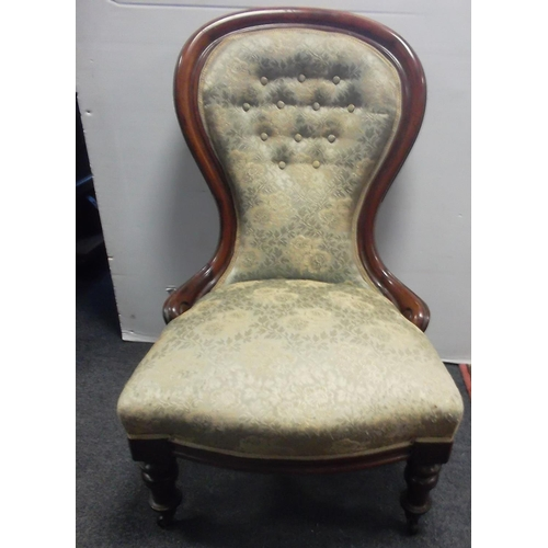 52 - Victorian Button Back Ladies Chair  Overall height: 95cm  Seat height: 43cm  Seat Width: 63cm...