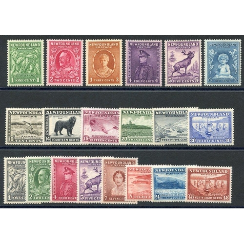 1221 - 1932 Pictorial Defin sets (both) M, SG.209/220 & 222/228c. (20) Cat. £110...