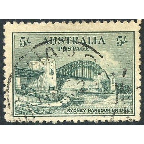 124 - AUSTRALIA, CANADA & NEW ZEALAND early to modern collections housed in three albums. Australia 1913-9...