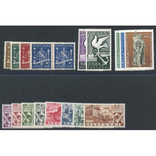 1319 - 1945 Naval School centenary set in UM pairs, SG.985/8, 1946 Castles set UM, SG.989/96 (1E.75 blue - ...