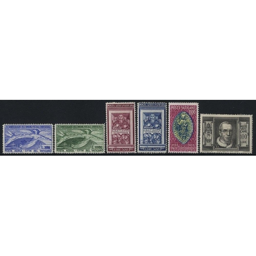 1622 - 1929-65 M & VFU collection housed in two black page Nubian albums with several better sets noted inc...