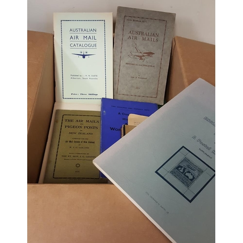 262 - AIRMAILS selection of books & pamphlets relating to flights incl. The Ross Smith England - Australia...