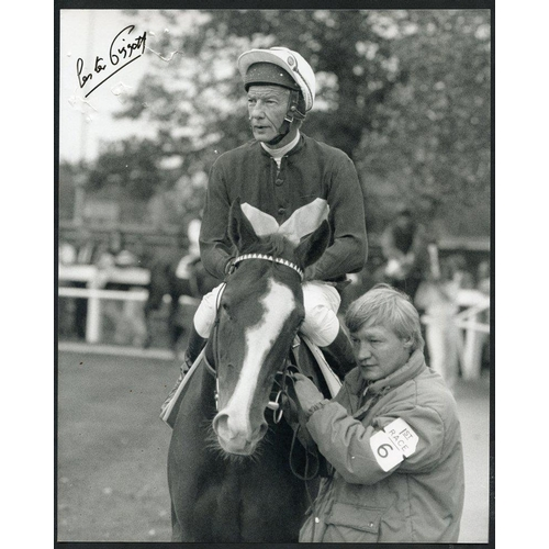 266 - HORSE RACING range of black & white or colour photographs of famous horses/jockeys/trainers etc. wit...