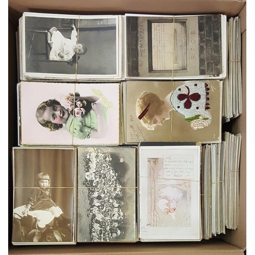 278 - ACCUMULATION of subject cards. (2000)...