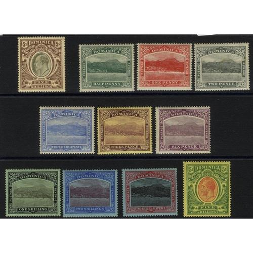 672 - 1903-07 MCCA 5s M, SG.36, 1908-20 MCCA set M (1d crease, 2d tones), SG.47/54. (11) Cat. £195...
