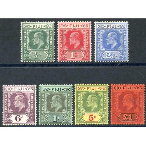 714 - 1906-12 MCCA set fine M, SG.118/124. (7) Cat. £400...