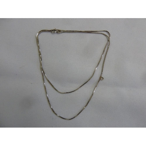 291 - 9ct white gold chain, approx 3.7g...