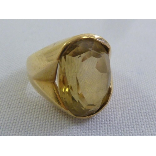 300 - 18ct yellow gold smokey topaz ring...