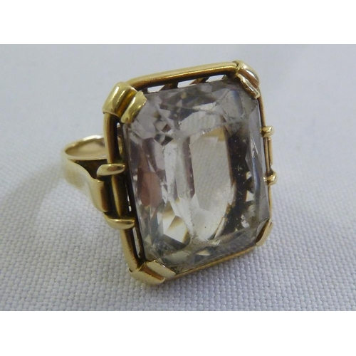 301 - 14ct yellow gold smokey topaz ring...