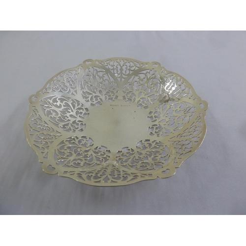 395 - A silver circular pierced bonbon dish, Birmingham 1959...