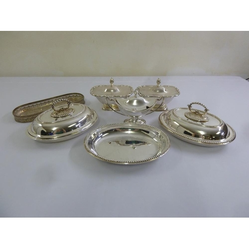 415 - A quantity of silver plate to include entree dishes and covers, vegetable dishes and a tray  (7)...