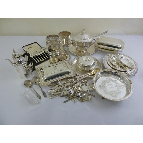 418 - A quantity of silver plate to include trays, wine bottle coaster, cafe au lait set, an ice bucket an...