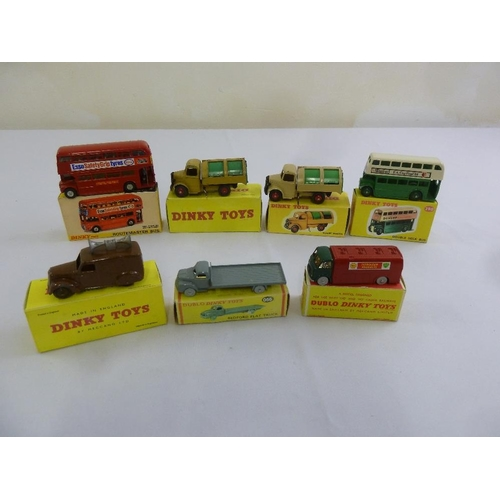425 - A quantity of Dinky diecast to include 289 Routemaster Bus, 252 Refuse wagon x 2, 290 Double Deck bu...