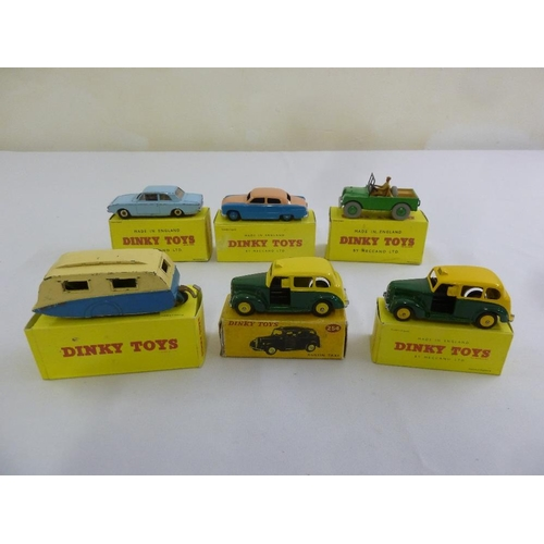 427 - A quantity of Dinky diecast to include 25a Ford Corsair, 170 Ford Sedan, 340 Land Rover, 190 Caravan...
