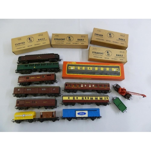 435 - A quantity of Trix Twin tracks and coaches, playworn (15)...