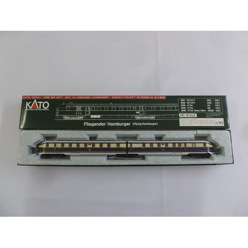 443 - Kato HO gauge 30701 DRG BR 877 SVT Fliegender Hamburger, as new in original packaging...