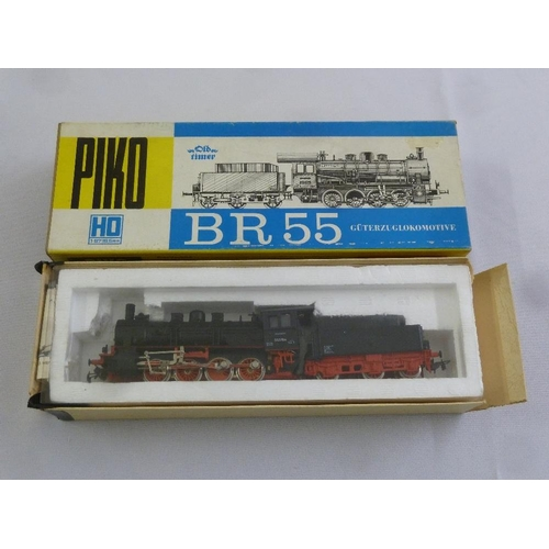 450 - Piko HO gauge BR55 locomotive and tender, mint condition in original packaging...