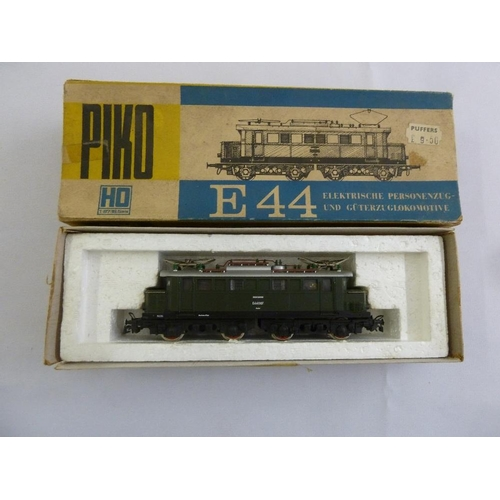 451 - Piko HO gauge E44 electric locomotive, in original packaging...