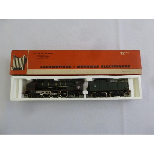 464 - Jouef HO gauge 8255 locomotive and tender with steam, as new in original packaging...