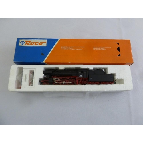 468 - Roco HO gauge 43249 locomotive and tender, as new in original packaging...