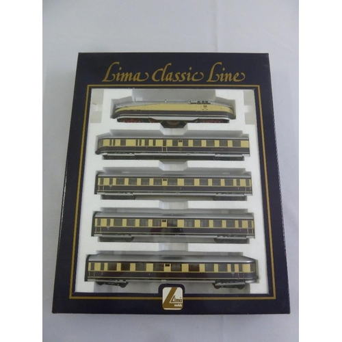 472 - Lima HO gauge Classic Line 14 9790LK, as new in original packaging...