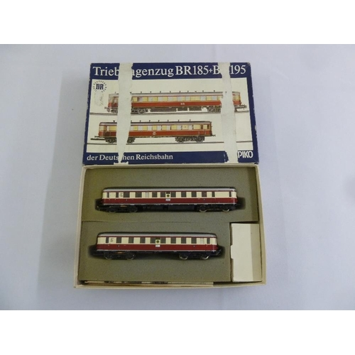 474 - Piko HO gauge Triebwagenzug der Detschen Bundesbahn BR185 and BR195, in original packaging...