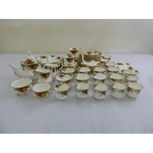 89 - Royal Albert Old Country Roses dinner and tea service to include plates bowls, teapot cups and sauce...